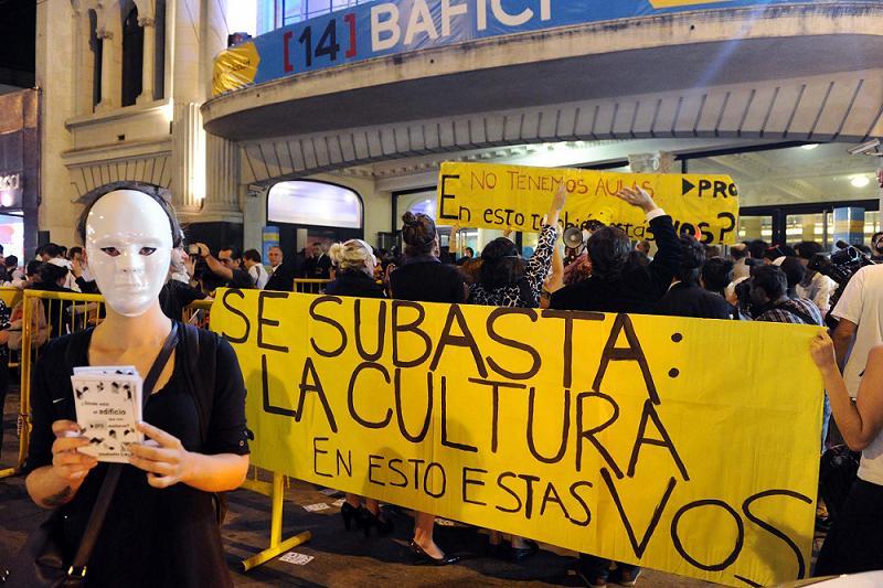 http://4.bp.blogspot.com/-8ULVc4dg0KM/Uf2ZGdA0X5I/AAAAAAAAETI/YLAlAD9QFto/s1600/protesta-bafici.jpg