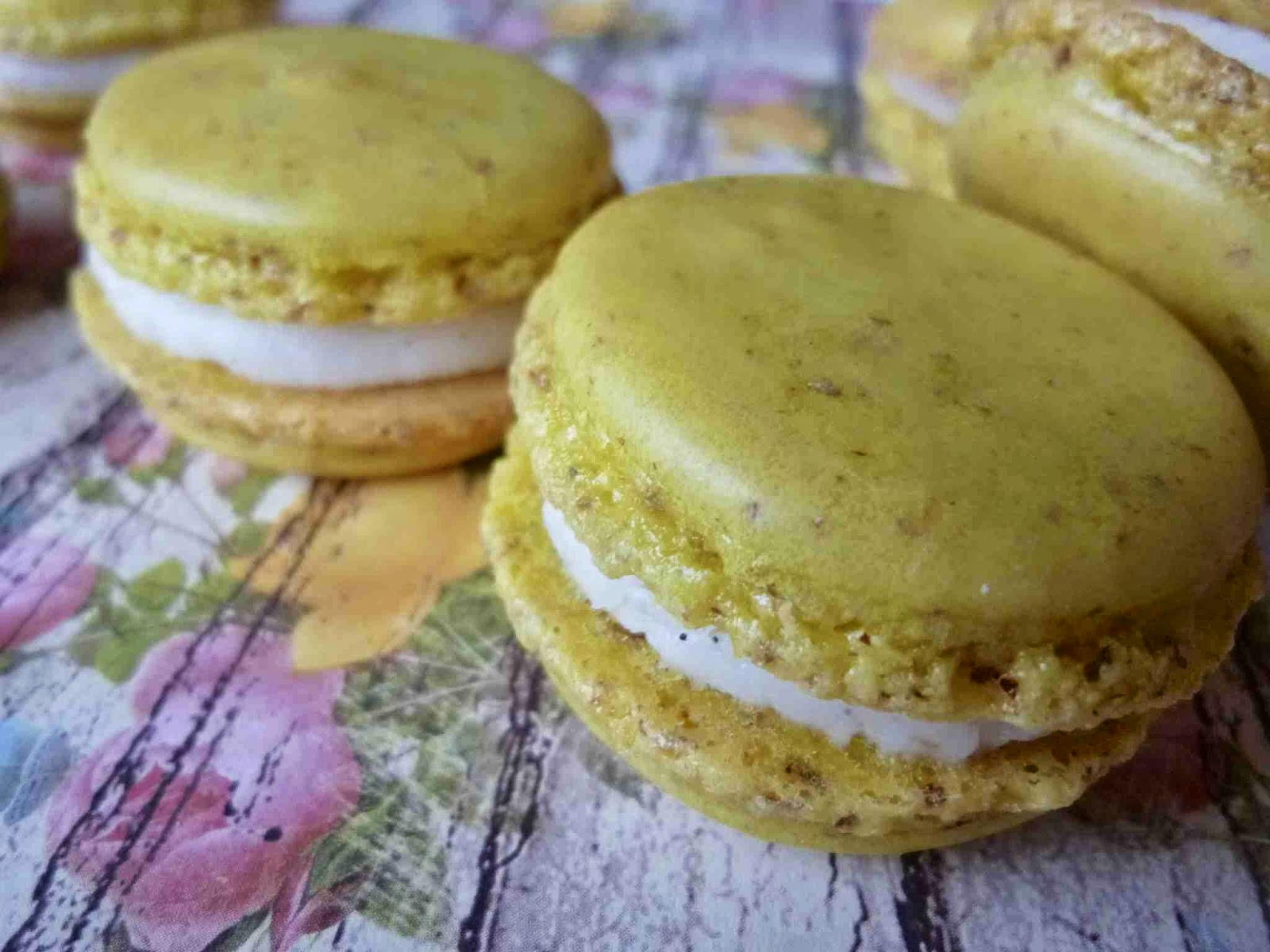 ... : Grapefruit French Macarons with Vanilla Bean Buttercream Filling
