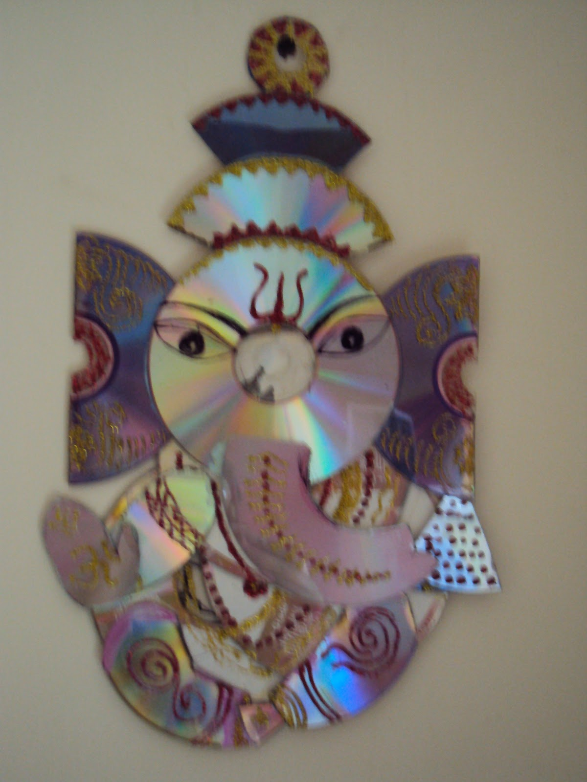 Ganesh made by cd ssartscrafts for Craft using waste things