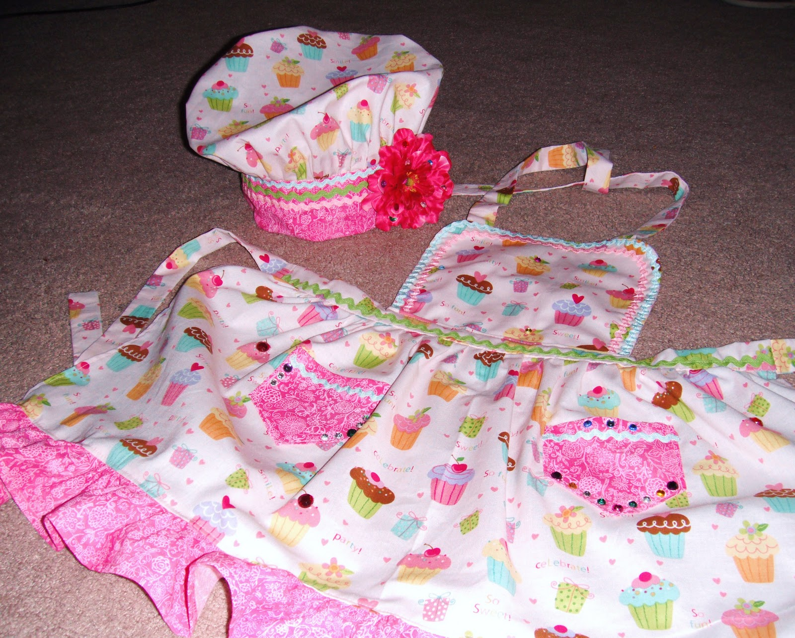 this cresap family sweet apron and cute dress