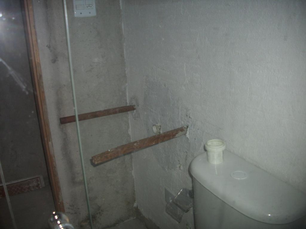 Saga do Banheiro V: Acabamentos Construindo Nossa House #594D45 1024x768 Banheiro Azulejado
