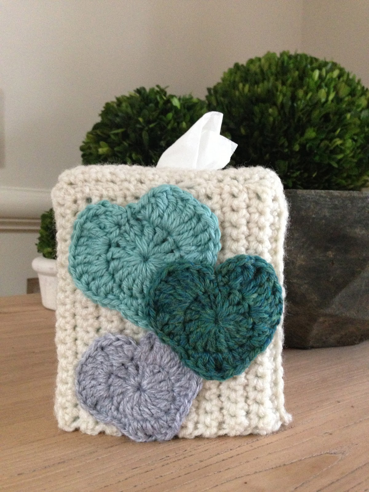 Annoo\'s Crochet World: Heart Tissue Box Cover Free Pattern