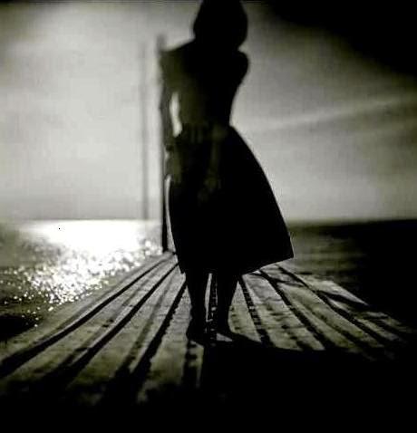 """Poema OCÉANOS, de Juan Gelman. Fotografía de Yuichiro Miyano. Libro de Referencia: Marga Clark, """"Auras"""", Ed. El toro de barro, Carlos Morales Ed., Tarancón de Cuenca 2001"""