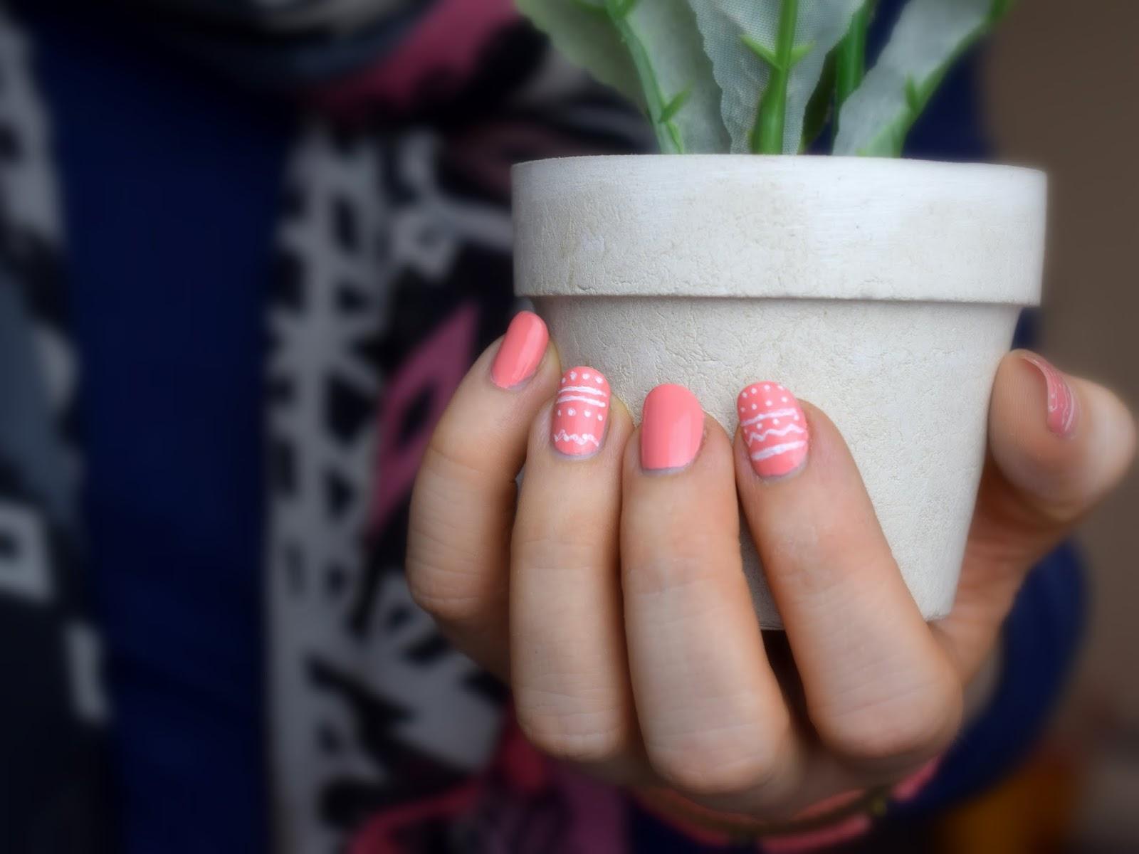 Oster Maniküre mit Catrice A Gallon Of Melon und Maybelline Designer Nail Art Pen White