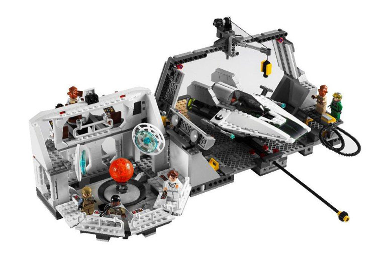 Sons of Twilight: Lego Star Wars: Home One Mon Calamari Star Cruiser