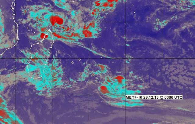 Image saltellite de la dépression 4 (future Bejisa) de la saison cyclonique 2013-2014