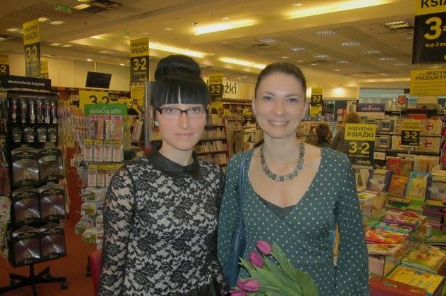 Spotkanie autorskie z Ałbeną Grabowską w łódzkim Empiku