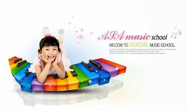 تصميم PSD لطفلة تجلس على جهاز موسيقى