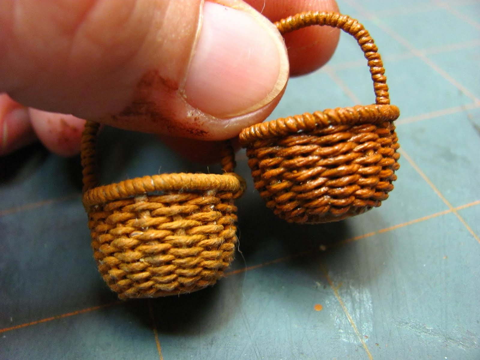 How To Weave A Mini Basket : Dollhouse miniature furniture tutorials inch minis