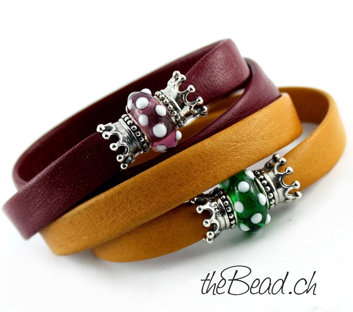 Damen Lederarmbänder mit Glasperlen und 925 Sterling Silber Krönchen Perlen vom schweizer Modeschmuck Onlineshop theBead www.theBead.ch