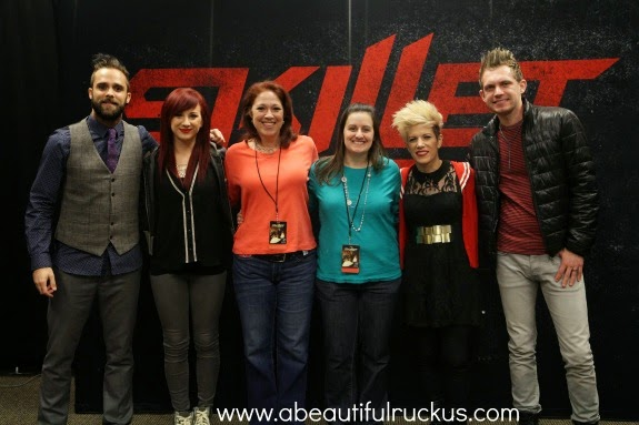 A beautiful ruckus the little things thursdays 64 she decided to upgrade our tickets to vip so that we could go to the meet and greet and sit in the 4th row what such a fun treat m4hsunfo