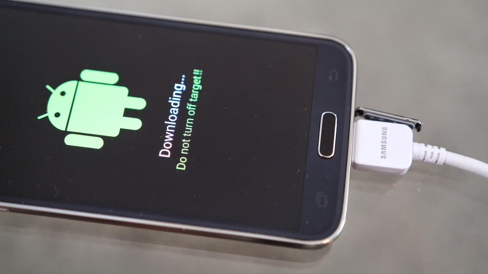 """خدعة وابتكار: اربط هاتفك بعدة اجهزة رقمية مثل """"ايسبي"""" , قرص صلب خارجي , عصى تحكم , انتينا ويفي , وغيرها"""