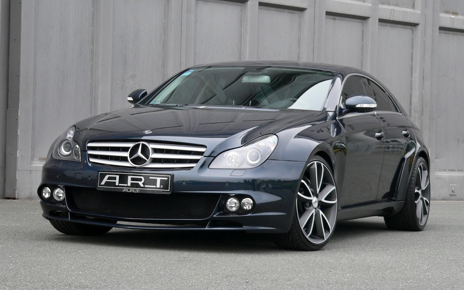 The most expensive cars mercedes benz pictures for The most expensive mercedes benz