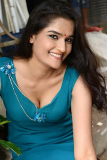 Sneha Thakur Hot