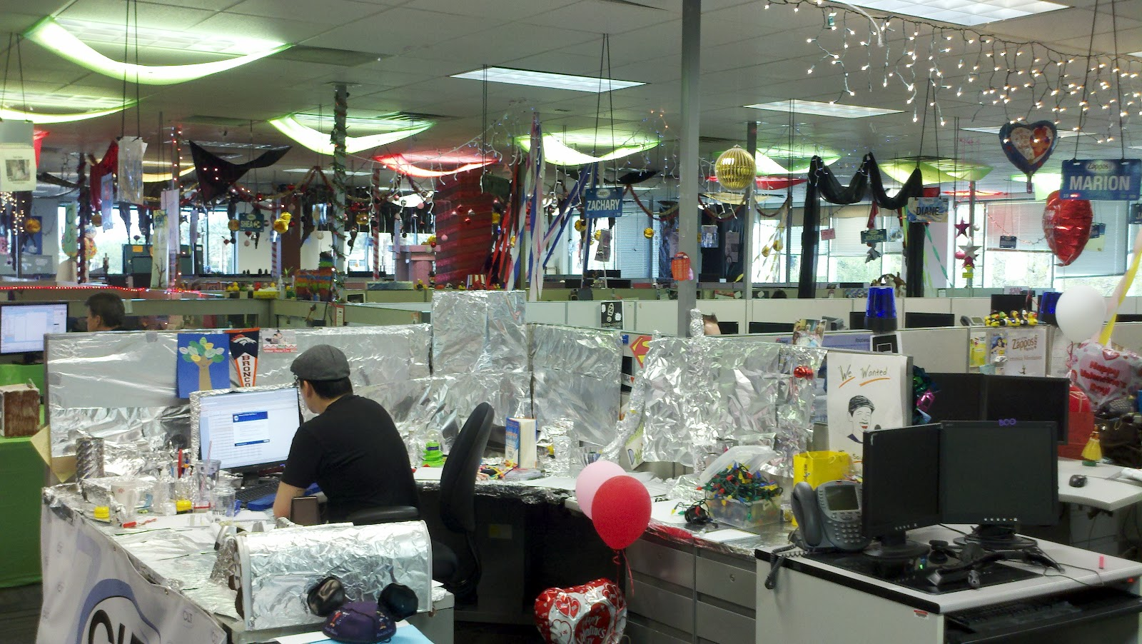Delivering happiness touring zappos headquarters in for Zappos office design