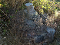 Restes de l'antiga ermita del Coll de la Crosa