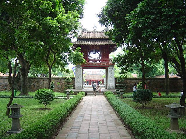 Templo Literatura Hanoi, Vacaciones Vietnam