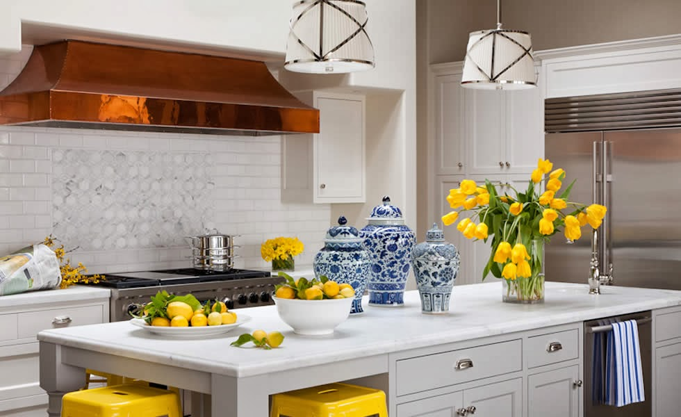 The glam pad 25 classic white kitchens with blue white for Blue and yellow kitchen decorating ideas