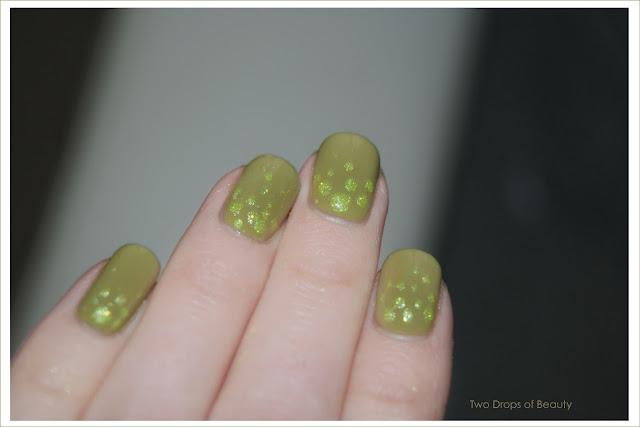 маникюр, зеленый лак, для чайников, блестки,