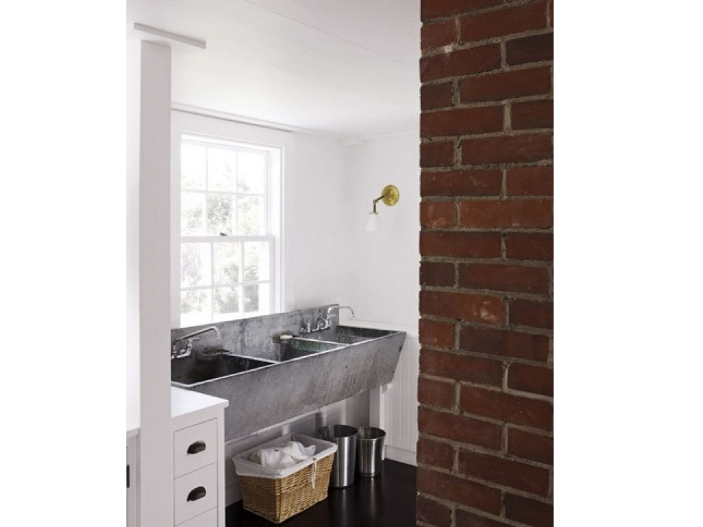 WEST END COTTAGE: Laundry Sinks - size does matter
