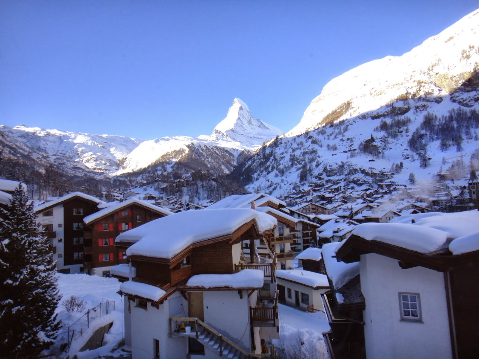 Lifestyle, Skiing, Switzerland, Zermatt, Holiday, Winter, Sport, Ski, Ski Holiday, Ski Resort, Travel, Snow, Travelling, Pictures, Zermatt Switzerland, Skier, Snowboarding, Ski Zermatt, Ski Zermatt Switzerland,