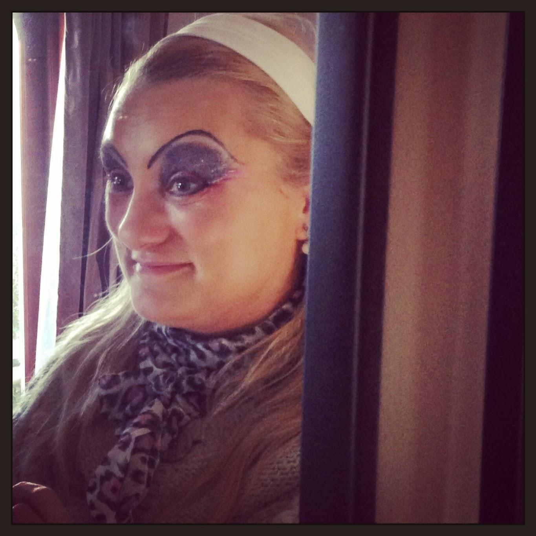 drag queen make-up, http://www.madmumof7