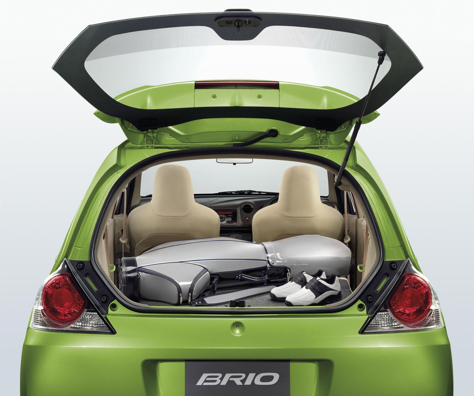 http://4.bp.blogspot.com/-8XeTgkFYhdc/TcA0UHXp-yI/AAAAAAAACtw/myAUbNubk-g/s1600/2011-Honda-Brio-02.jpg