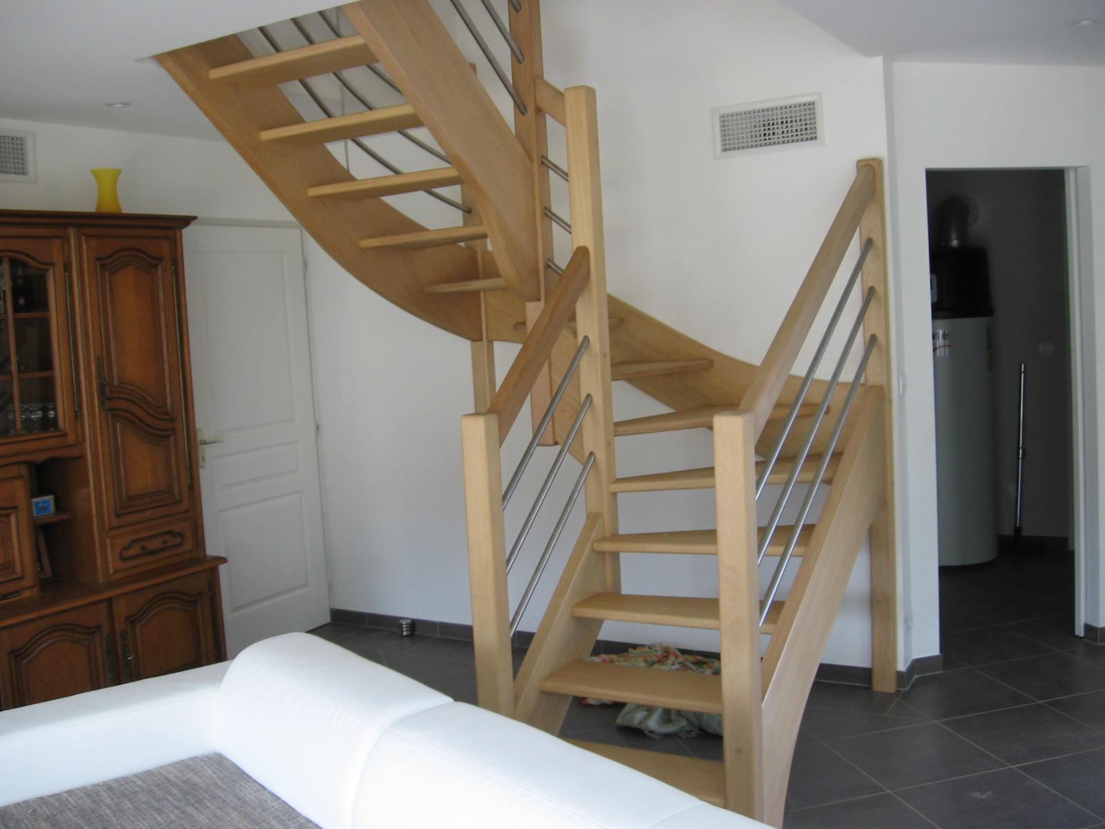 Escaliersbois64800: Escalier à 2 quarts tournant avec garde corps mixte inox + vitrage