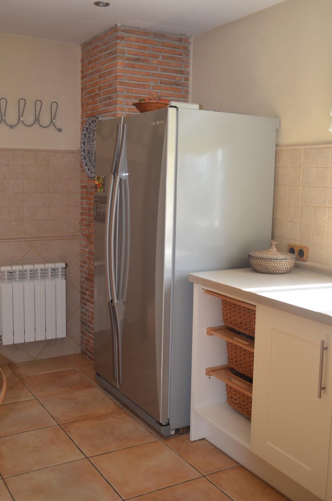 Cooking design art octubre 2012 - Cocinas blanco roto ...