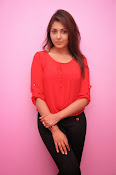 Madhu shalini latest glam pics-thumbnail-12