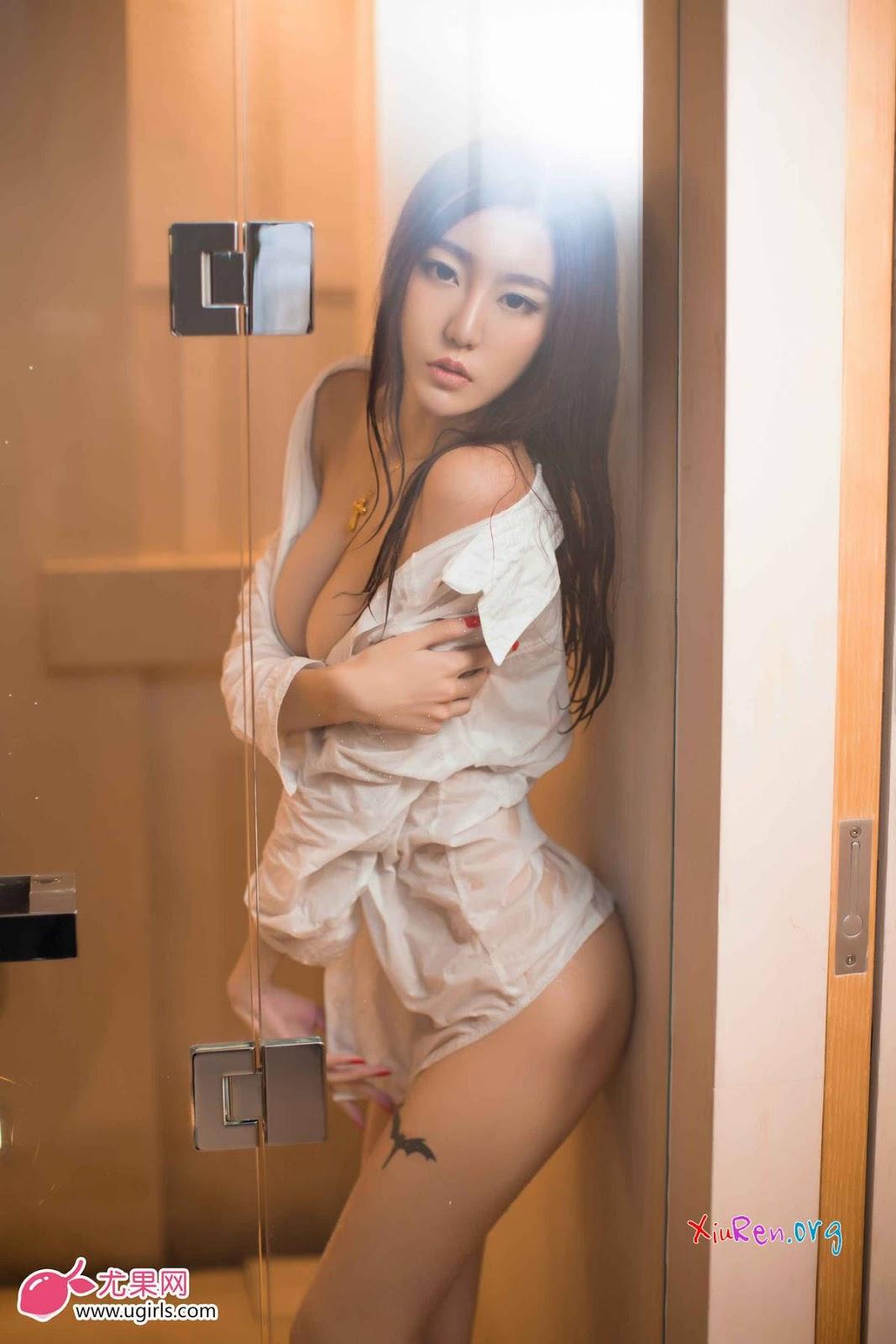 Ảnh gái đẹp HD mình dây ngực khủng bố 2