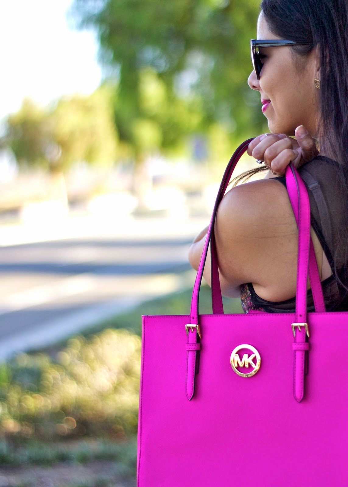 hot pink michael kors purse, pink michael kors handbag, michael kors handbag raffle, magenta michael kors purse