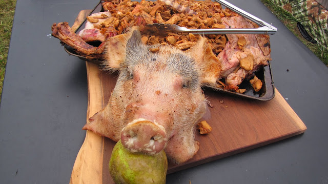 pig roast pig head with pear