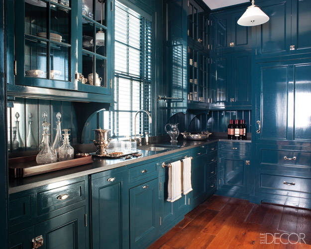 Love The Color Below But I Wish Backsplash Was Different