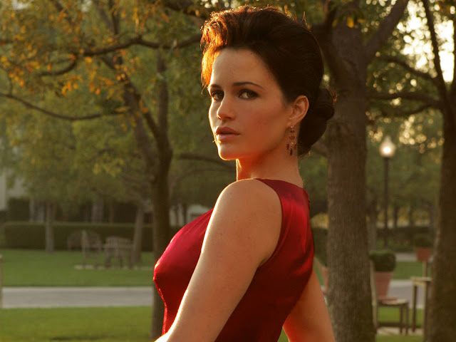Hot Pictures of Carla Gugino