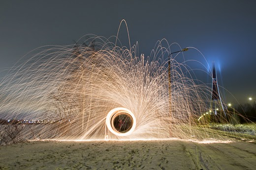 Light painting in night by akwiinas