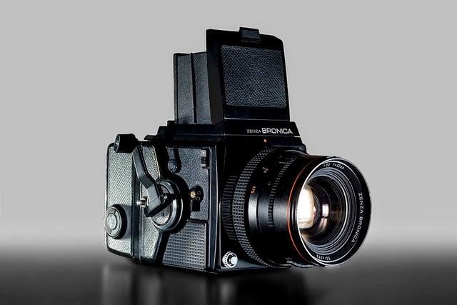 Shooting Film: 12 Cool Medium Format Film Cameras to Buy