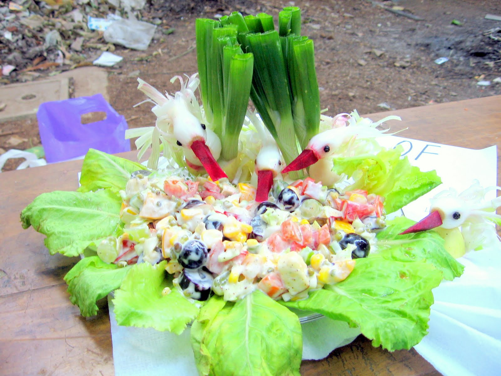 Salad decoration with vegetables mobile wallpapers for Decoration salade