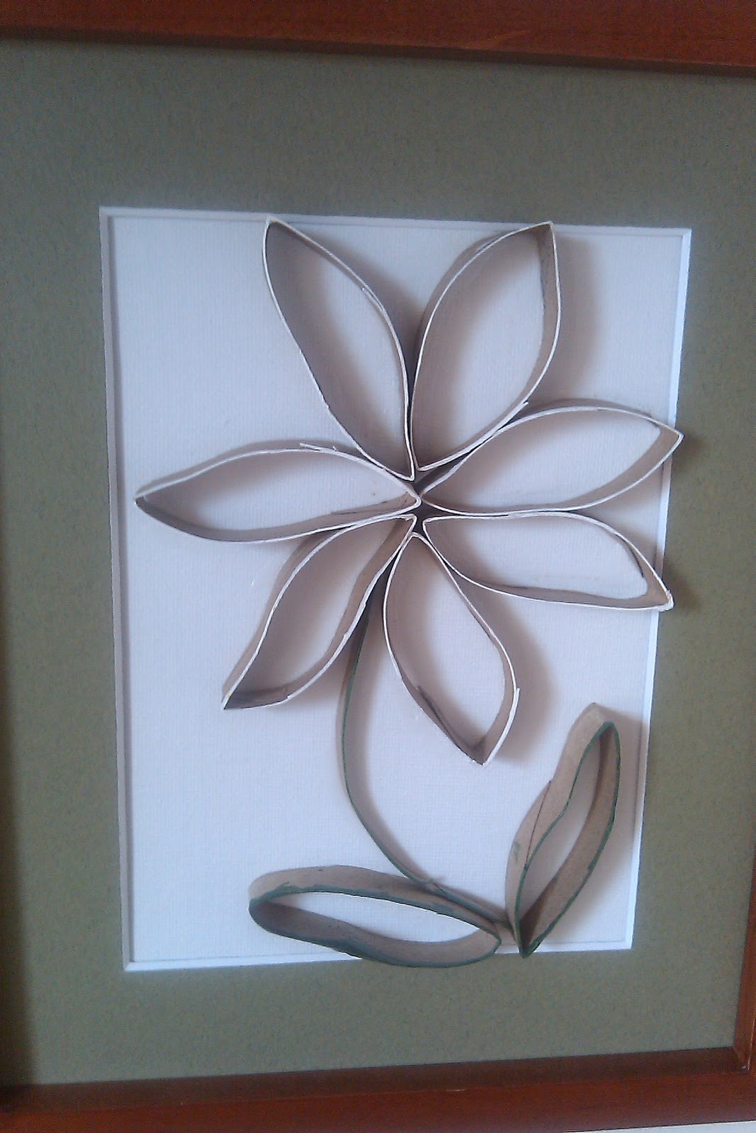 Upcycled stuff ten other uses for cardboard paper tubes for Cardboard tube flowers