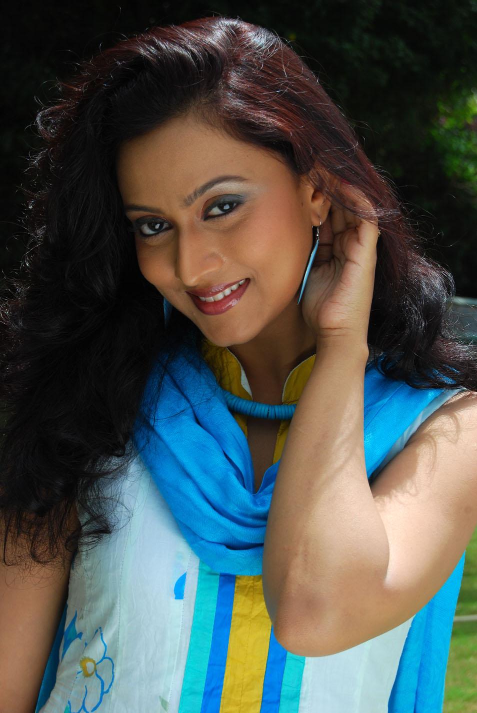 Tamil Heroine Sheetal Photos, Actress Sheetal Hot Images ...