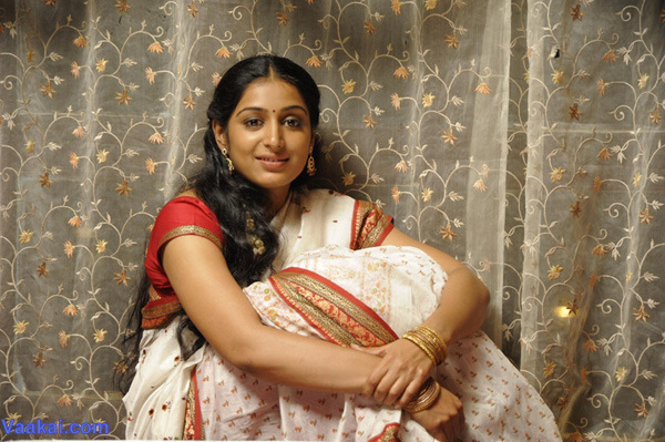 Tamil Actress Padmapriya Hot Beauty Cute Look Photos