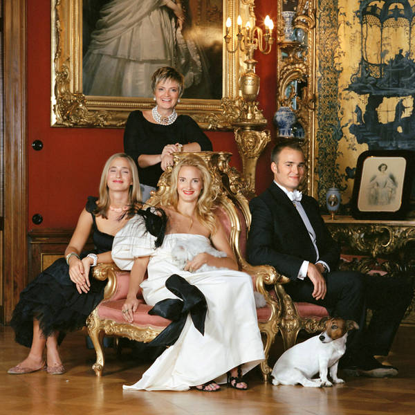 Princess Gloria stands above her two daughters and son Prince Albert.