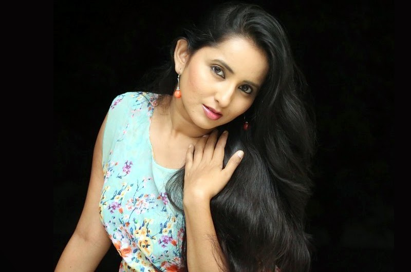 Ishika Singh New Awesome Photos