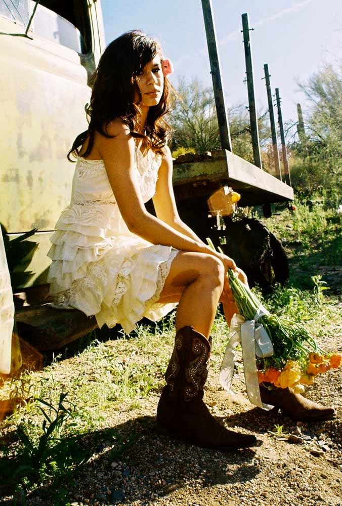 Country Short Wedding Dresses with Cowboy Boots Design pictures hd