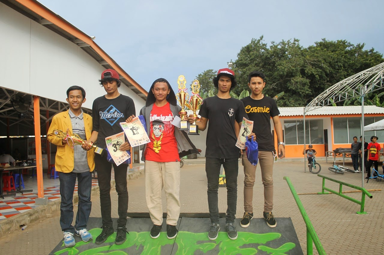 Pemenang 1, 2, 3 Juara BMX Game Of Bike Unsera Cup