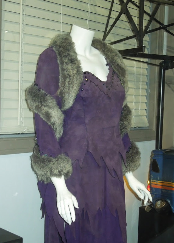 Elizabeth Taylor The Flintstones movie costume