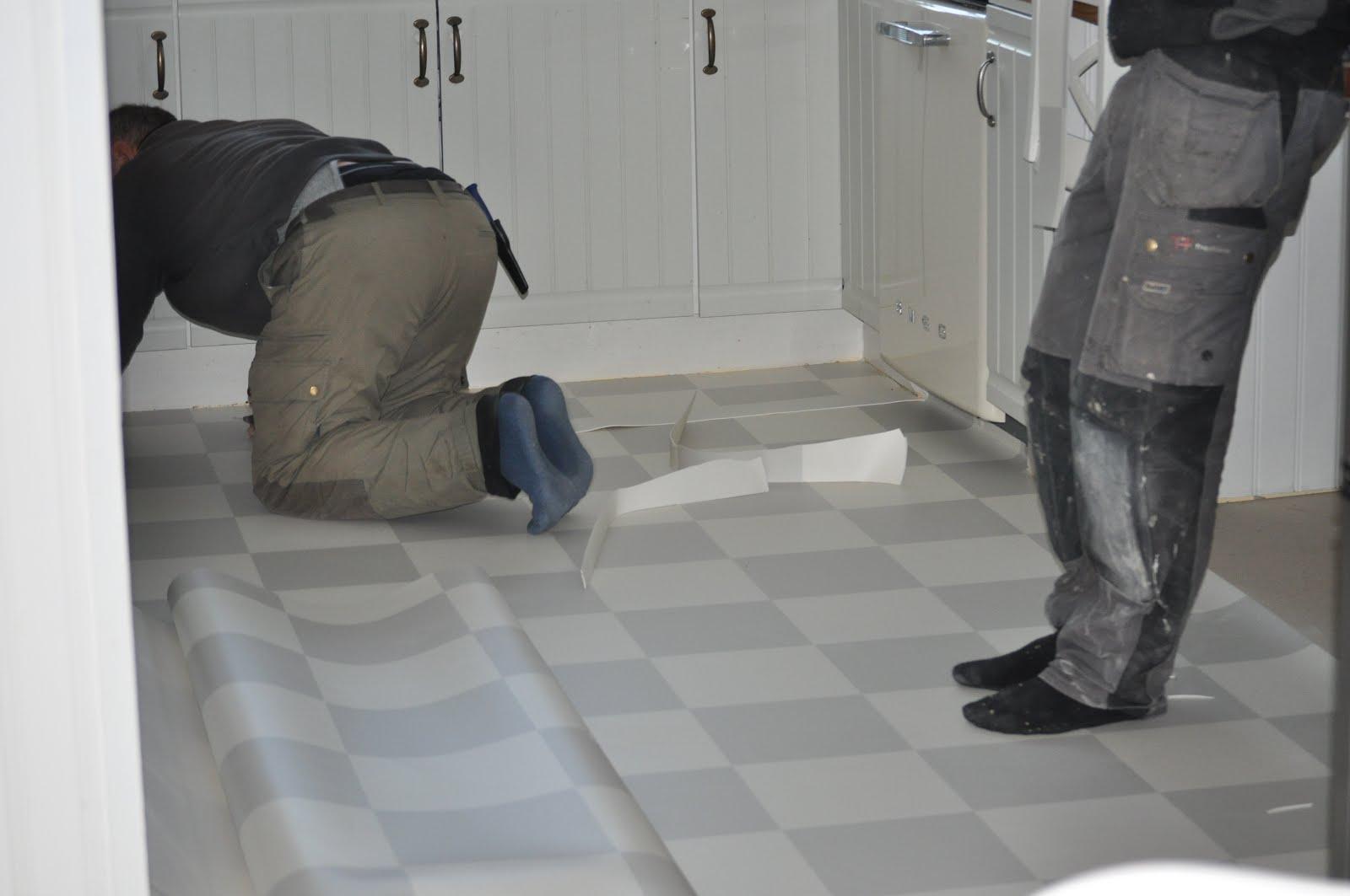 Plastmatta badrum inspiration ~ xellen.com