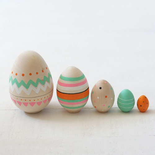 Blankgoods+AU+Easter+Tablescapes+DIY+Craft+Inspiration+painted+nested+eggs Easter Crafts Inspiration