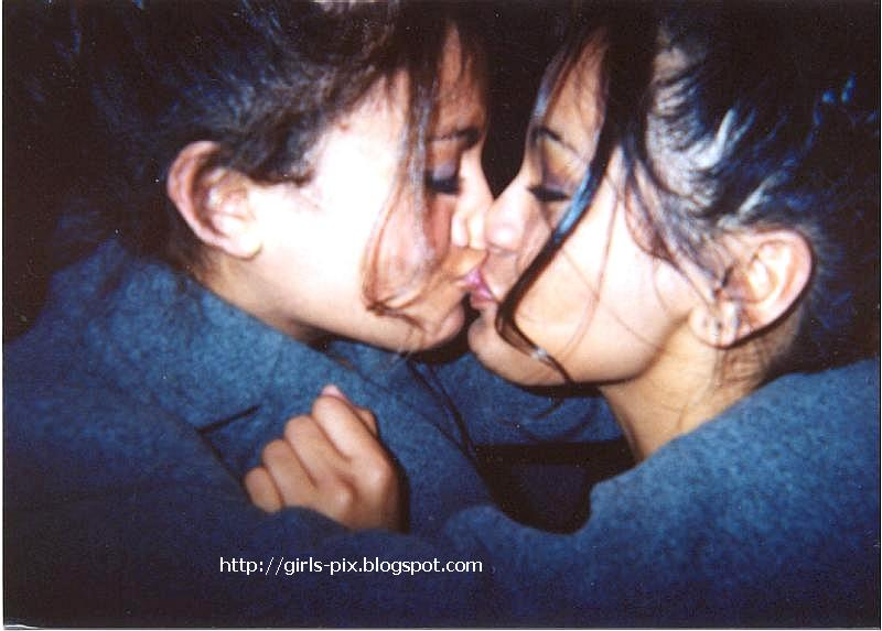 really hot girls kissing № 470726