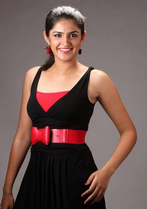 1 - Deeksha Seth Unseen Cute Pictures
